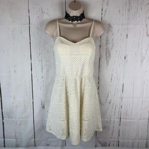 Dresses & Skirts - Cream lace fit & flare dress